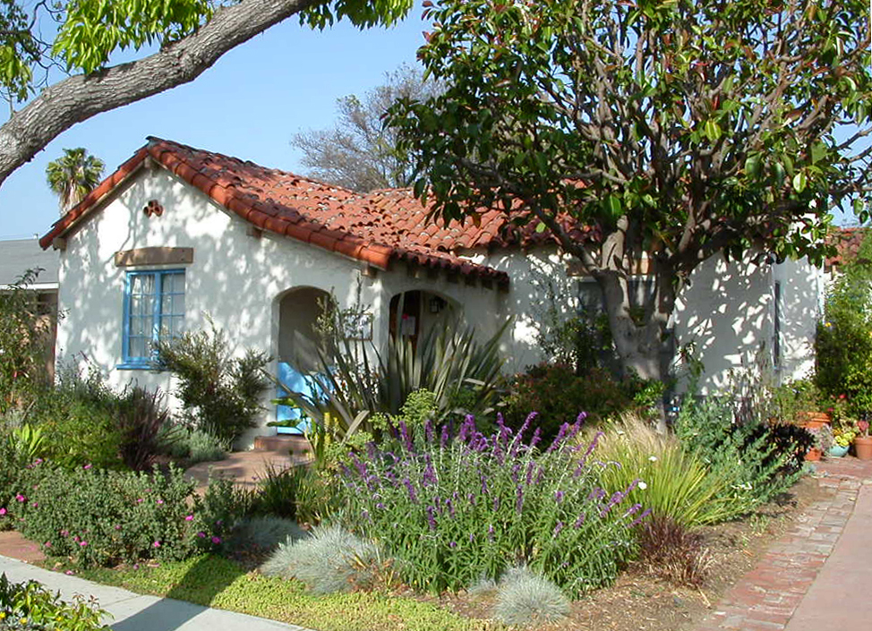 Halm 2400 2 reynier village blog for Drought tolerant yard