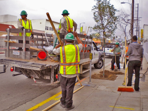 LA Conservation Corps and volunteers